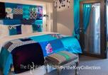 Hôtel Kensington - The Exhibitionist Hotel by thekeycollections-1