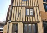 Location vacances  Haute-Vienne - Townhouse - Historic district Limoges-1