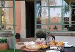 Hôtel Péret - Aumes Sweet Home Chambre d'Hôtes-3
