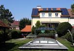 Location vacances Wiener Neustadt - Bed & Pool-1