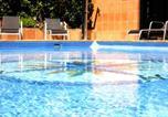 Location vacances Premià de Mar - Apartamentos Vilassar & Swimming pool-1