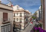 Location vacances  Séville - Pequeño palacete Calle Santas Patronas-2