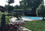Location vacances Vignonet - Suite avec terrasse ,piscine, jacuzzi et petit déjeuner-3