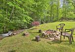 Location vacances Whittier - Creekside Home with Fire Pit, Less Than 15 Mi to Hiking-1