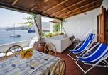 Location vacances  Ville métropolitaine de Messine - Apartments Lipari - Isi06100b-Eyc-1