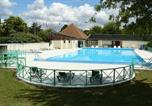 Camping avec Piscine couverte / chauffée Loches - Camping Les Chenes-1