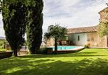 Location vacances Mallemort - Magnificent Holiday Home with Swimming Pool in Oppede-3