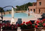 Location vacances  Province de Livourne - Residence La Pergola-2