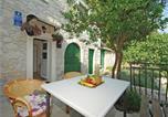 Location vacances Gradac - Holiday Home Drvenik with Sea View 06-4