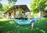 Camping avec Piscine Chazelles-sur-Lyon - Cosycamp-4
