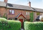 Location vacances Ashbourne - Strawberry Cottage-1