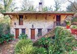 Location vacances Benamahoma - Nice home in Benamahoma w/ 5 Bedrooms and Outdoor swimming pool-1