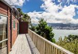 Location vacances Wellington - Grandiose Clifftop Chalet 1-3