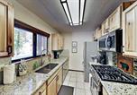 Location vacances Reno - Updated Retreat - Fireplace, Sleek Kitchen, Garage condo-3