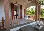Location vacances  Province de Ferrare - Attractive Holiday Home in Lido di Volano with Beach Nearby-3