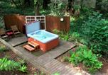 Location vacances Jenner - Little Red House Plus! Redwoods! Hot Tub!! Bbq Grill! Fast Wifi! Near Golf Course!! Dog Friendly!-3