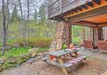 Location vacances Medford - Ashland Lodge with Lake Views, Patio and 5 Mtn Bikes!-4