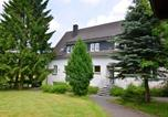 Location vacances Eslohe (Sauerland) - Spacious Apartment in Niederlandenbeck with Sauna-1