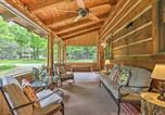 Location vacances Clarks Summit - Lake Wallenpaupack Cabin with Shared Pool!-3