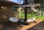 Location vacances  Ain - Eco-lodge City, mini home de charme au coeur d'Amberieu - Le champ de la fontaine-4