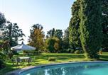 Location vacances  Province de Trévise - Monumental Mansion in Crespignaga with Swimming Pool-4