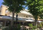 Location vacances  Province de Rimini - Appartamenti Orfeo-1