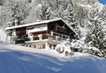 Location vacances Albinen - Chalet Waldrand-1