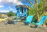 Location vacances Véranne - La roulotte et la cabane de la colline seive-1