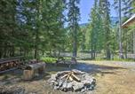 Location vacances Bonners Ferry - Private Moyie Riverfront Cabin Pets Welcome!-2