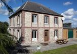 Location vacances Bennetot - Spacious Cottage in Colleville with Garden-1