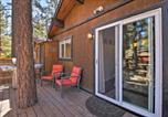 Location vacances Big Bear City - Cozy Big Bear Cabin with Spacious Deck and Fireplace!-3