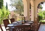 Location vacances  Province de Tarragone - Captivating Villa in El Vendrell with Swimming Pool-4