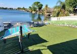 Location vacances Hollywood - 3/2 Lake House - Water Activities And Docking Area 2-1
