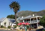 Location vacances Simon's Town - Boulders Beach Lodge and Restaurant-1