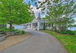 Location vacances Rockport - Lovely Waterfront Owls Head Home with Own Beach-1