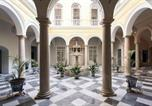 Location vacances  Séville - Luxury Duplex in Historic Building with Parking-2