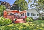 Location vacances Warren - Family Lake Erie House with Deck and Waterfront Views!-3