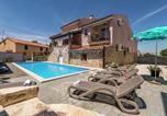 Location vacances Tar - Apartment Valtrazza Fiorela I-3