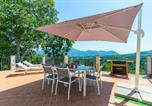 Location vacances  Province de Caserte - Villa immersa nel verde a Galluccio-1
