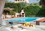 Location vacances Capannori - Amazing villa in Segromigno in Monte w/ 4 Bedrooms, Jacuzzi and Wifi-2