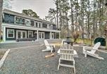 Location vacances Magnolia - Lakehouse with Fire Pit, Boat Launch and Hot Tub!-1