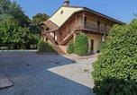 Location vacances  Province de Ferrare - Cozy Cottage in Portomaggiore near Lake-2