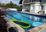 Location vacances Révfülöp - Holiday home in Balatonboglar 35154-1