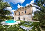 Location vacances Collepasso - Collepasso Villa Sleeps 13 Pool Air Con Wifi-1