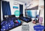 Location vacances Bintan Utara - Desaru Beach & Bandar Penawar Homestay Waterpark Instamass-4