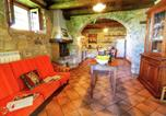 Location vacances Bibbiena - Lavish Farmhouse in Ortignano Italy with Swimming Pool-4