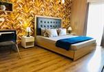 Location vacances Noida - Summer House Panoramic Inn, Ensuite Private Studio-2