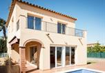 Location vacances Sant Pere Pescador - Holiday Home Capella 50-2