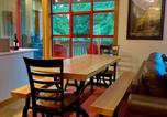 Location vacances Pemberton - Spacious Rustic Whistler Retreat at the Woods-2