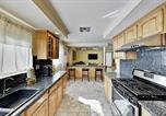 Location vacances Northridge - Spacious & Private Retreat - Backyard Pool Oasis home-3